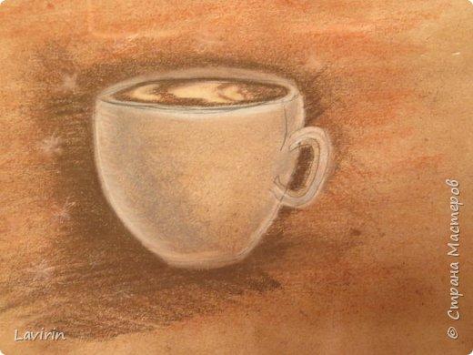 Чашка кофе в технике скетчинга