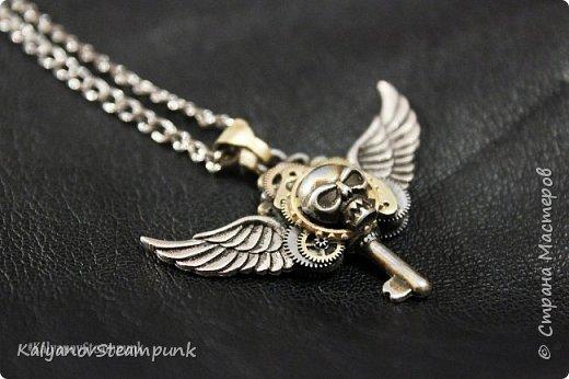 """Кулон ключ с крыльями """"Покоритель замкОв"""" в стиле стимпанк фото 1"""