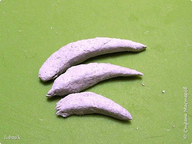 Здравствуйте, мои дорогие и любимые соседи по Стране! Когда я выложила своих петушков, многие заинтересовались процессом создания, поэтому решила подготовить МК. Таким образом родился новый Петя - Петушок . Пыталась имитировать керамику. фото 22