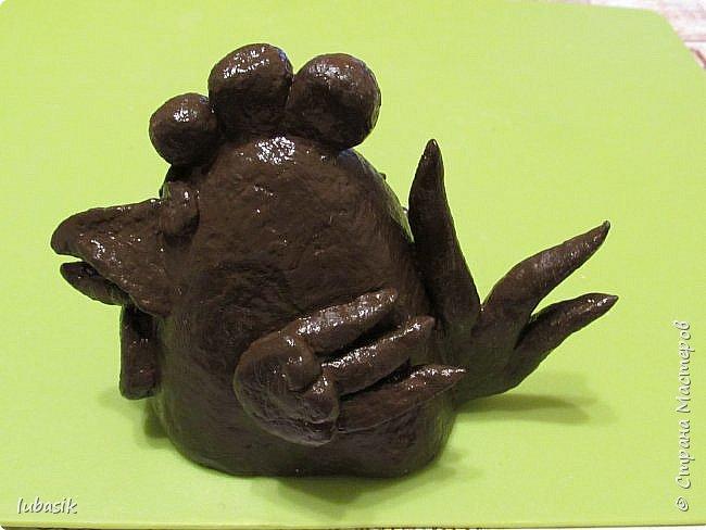 Здравствуйте, мои дорогие и любимые соседи по Стране! Когда я выложила своих петушков, многие заинтересовались процессом создания, поэтому решила подготовить МК. Таким образом родился новый Петя - Петушок . Пыталась имитировать керамику. фото 31