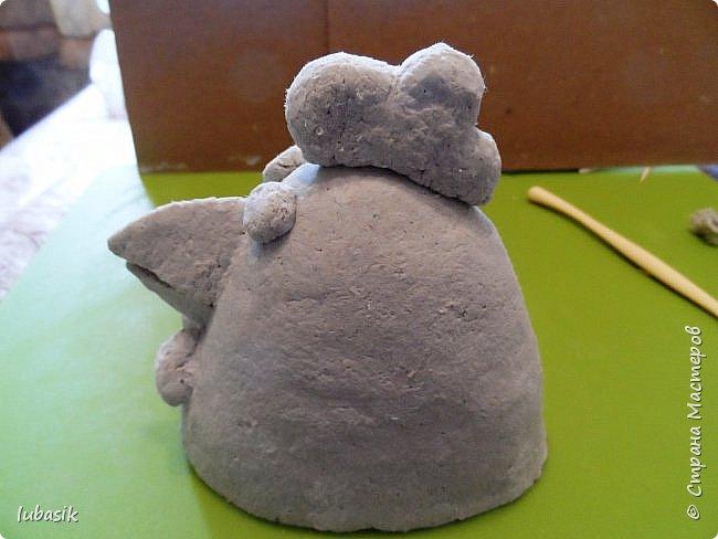 Здравствуйте, мои дорогие и любимые соседи по Стране! Когда я выложила своих петушков, многие заинтересовались процессом создания, поэтому решила подготовить МК. Таким образом родился новый Петя - Петушок . Пыталась имитировать керамику. фото 15