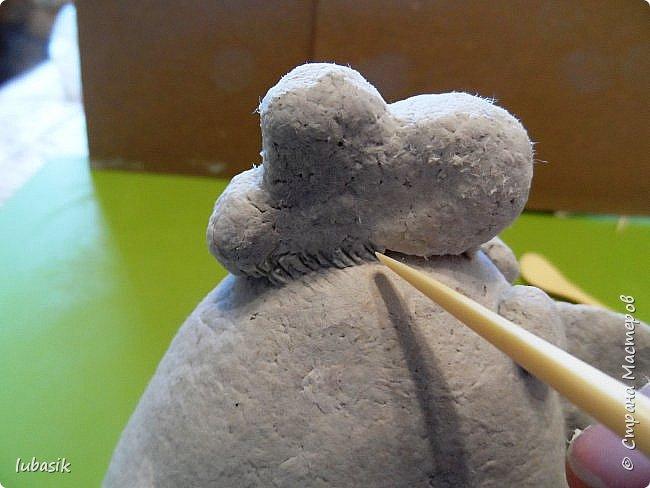 Здравствуйте, мои дорогие и любимые соседи по Стране! Когда я выложила своих петушков, многие заинтересовались процессом создания, поэтому решила подготовить МК. Таким образом родился новый Петя - Петушок . Пыталась имитировать керамику. фото 16