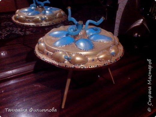 Материал: одноразовая пасуда: тарелки, ложки, соломинки. фото 1