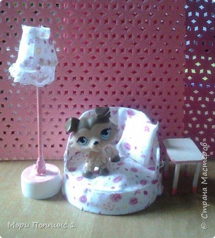 Вот такую милую мебель я сделала для гостинной.