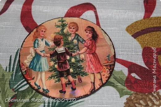 Подвески на елку - салфетка, краски, лак, структурная паста, трафарет, снег - манка и акриловая белая краска фото 22