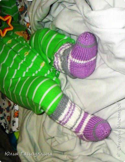 наконец-то погода позволила нам одеть наши нарядные носочки! связались они еще во времена беременности и вот, наконец-то, дождались своего часа!!! фото 3
