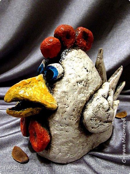 Здравствуйте, мои дорогие и любимые соседи по Стране! Когда я выложила своих петушков, многие заинтересовались процессом создания, поэтому решила подготовить МК. Таким образом родился новый Петя - Петушок . Пыталась имитировать керамику. фото 42
