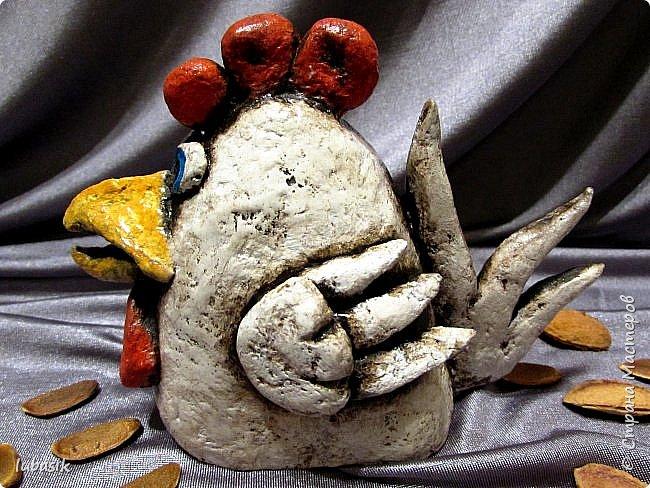 Здравствуйте, мои дорогие и любимые соседи по Стране! Когда я выложила своих петушков, многие заинтересовались процессом создания, поэтому решила подготовить МК. Таким образом родился новый Петя - Петушок . Пыталась имитировать керамику. фото 43