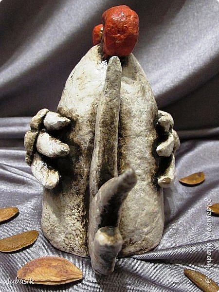 Здравствуйте, мои дорогие и любимые соседи по Стране! Когда я выложила своих петушков, многие заинтересовались процессом создания, поэтому решила подготовить МК. Таким образом родился новый Петя - Петушок . Пыталась имитировать керамику. фото 44