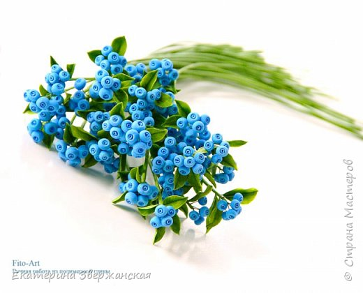 Новые работы. Розочки, голубые ягоды и белые колокольчики фото 5