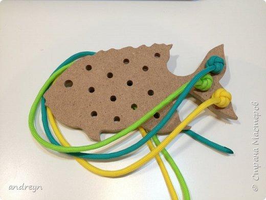 """Здравствуйте. Вот такую шнуровку """"Рыбка"""" сделал детям. Рыбку купил в магазине для творчества и рукоделия.  фото 1"""