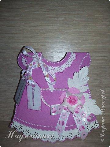 Хорошей девушке в честь рождения её долгожданной дочери сделала вот такой тортик из памперсов и открыточку. фото 2