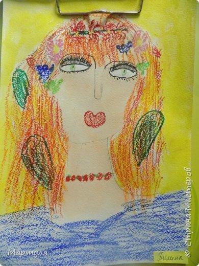 Рисовали с детьми подготовительной группы красавицу Осень масляной пастелью, лист тонировали акварелью. фото 1