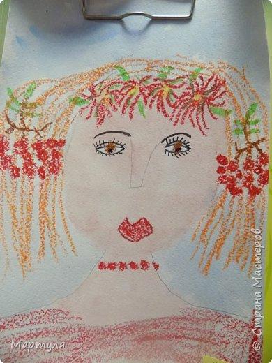Рисовали с детьми подготовительной группы красавицу Осень масляной пастелью, лист тонировали акварелью. фото 2