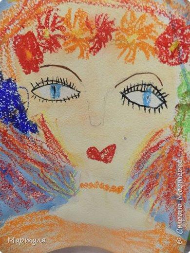 Рисовали с детьми подготовительной группы красавицу Осень масляной пастелью, лист тонировали акварелью. фото 6