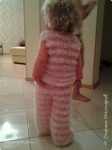 Доброго времени суток, вот такой костюмчик Пушистик у меня получился, для моей младшенькой денечки. Он ей так нравится, говорит мягный :-) фото 2