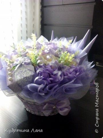 корзина с цветами из конфет фото 4