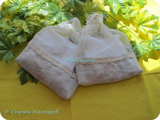 Льняные мешочки для мелочей. С вышивкой. Специально подбирала рисунки, чтоб, вроде, одинаковые, но разные)) фото 12