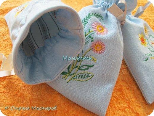Льняные мешочки для мелочей. С вышивкой. Специально подбирала рисунки, чтоб, вроде, одинаковые, но разные)) фото 3