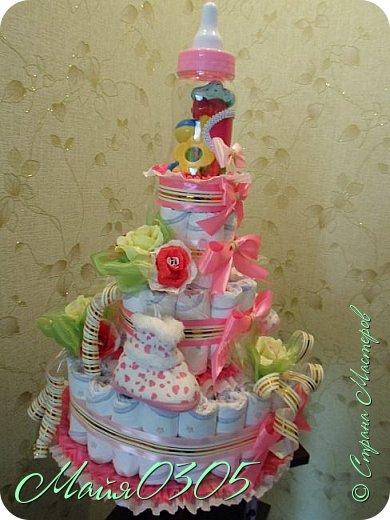 Размерчик тортика 85 см высотой и 55 в диаметре. Подарочек подарился любименькой , новорожденной племяшке и креснице...  фото 2