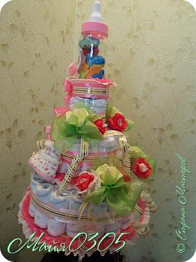 Размерчик тортика 85 см высотой и 55 в диаметре. Подарочек подарился любименькой , новорожденной племяшке и креснице...  фото 3