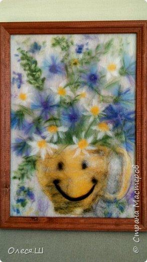 Здравствуйте! Меня буквально заразила и захватила техника живопись шерстью, что я наваяла еще несколько картин. Разделяю их по темам))) Цветы,цветы.... приятного просмотра! Ромашки и гвоздики. Солнечное настроение.... фото 1