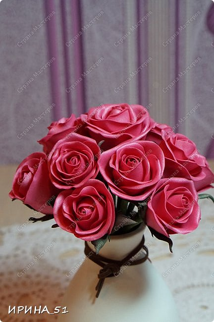 Здравствуйте! Рада видеть Вас у себя в гостях.  Недавно закончила работу над новой, очень нежной композицией с розами из фоамирана.  Композиция была сделана на заказ для интерьера кухни.  Приглашаю к просмотру.  фото 13