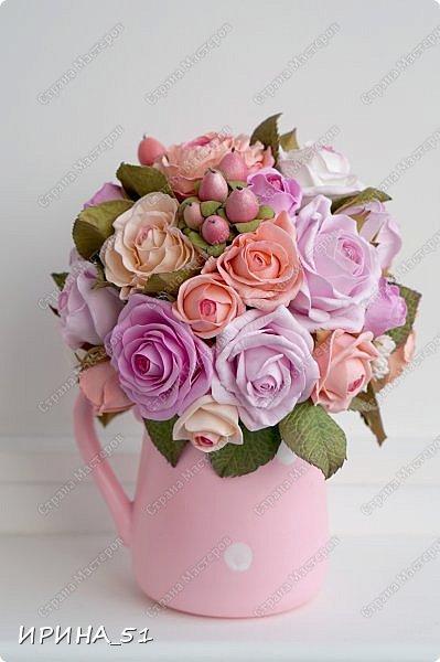 Здравствуйте! Рада видеть Вас у себя в гостях.  Недавно закончила работу над новой, очень нежной композицией с розами из фоамирана.  Композиция была сделана на заказ для интерьера кухни.  Приглашаю к просмотру.  фото 2