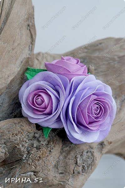 Здравствуйте! Рада видеть Вас у себя в гостях.  Недавно закончила работу над новой, очень нежной композицией с розами из фоамирана.  Композиция была сделана на заказ для интерьера кухни.  Приглашаю к просмотру.  фото 16