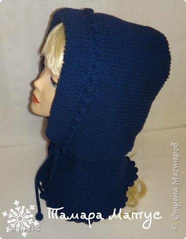 Снуд-капюшон выполнен спицами из пряжи Ярнарт Джинс фото 2