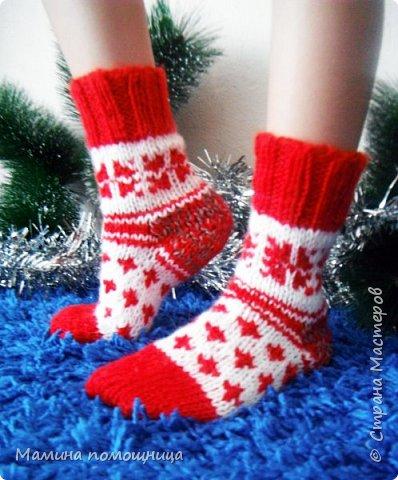 """Всем привет! У """"Дропс-дизайн"""" вдохновилась на новогодние носочки. Связала себе фото 2"""