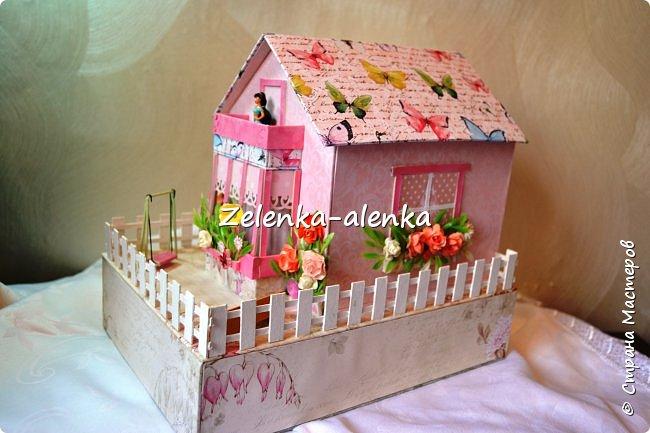 Идея принадлежит не мне. в просторах интернета я нашла такой домик, сделанный Екатериной Байдой. к сожалению МК не было и я по своим размерам смастерила свою шкатулочку фото 1