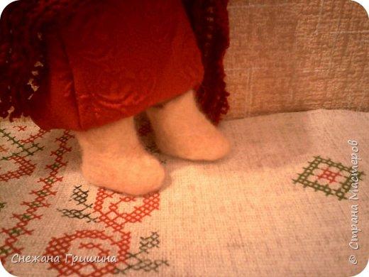 Здравствуйте дорогие жители Страны Мастеров!! Сегодня я с валенками для куклы!!  Обувь пока не научилась делать.решила свалять валенки!!  Мастер класс я увидела у Надежды Несветаевой. даже для внучки попробывала свалять носочки. и для куклы решила заодно. Может и есть где то уже МК.но я свой тоже покажу! Может кому и пригодится! если серьезно занятся.то можно и усовершенствовать процесс и изделия! фото 30