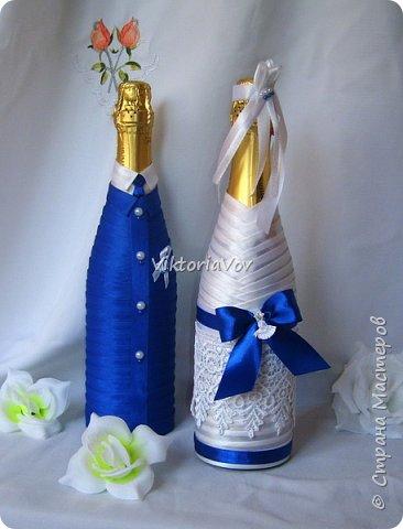 Всем привет. Оооочень кратенько покажу чехольчики на свадебные бутылочки для синей свадьбы. Работа была выполнена по образцу - фото из интернета, в тон к приобретенным у меня же бокалам. фото 2