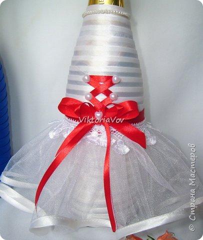 Доброго дня, вечера или ночи! Кратенько покажу мои новые чехольчики на бутылочки для красной свадьбы. Свадьба уже состоялась, желаю молодым счастья и любви!! фото 3