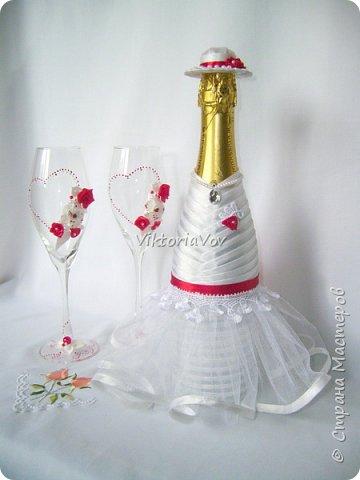 Доброго дня, вечера или ночи! Кратенько покажу мои новые чехольчики на бутылочки для красной свадьбы. Свадьба уже состоялась, желаю молодым счастья и любви!! фото 6