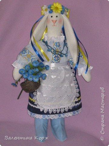 Зайка в национальной одежде,Пошита из флиса. фото 1