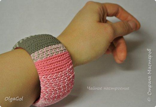 """Вязаный браслет """"Серый с розовым"""" фото 2"""