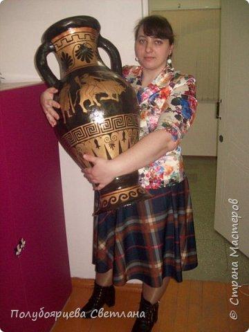 Перед тем как изготовить вазу, я долго думала из чего же мне сделать сосуд, напоминающий древнегреческую амфору, и, остановилась на варианте изготовления вазы из картона в технике папье-маше. Здесь, я пошагово расскажу как я это делала и что получилось в итоге. фото 17