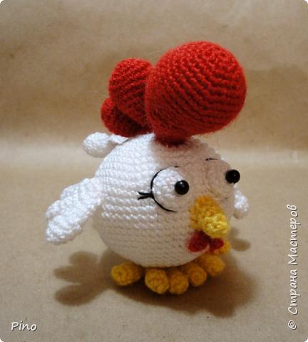 Готовь сани летом, а к Новому году точно пора начинать готовиться. Петушки от Jolanda https://filantrojopie.blogspot.com.by/2016/01/gratis-patroon-kip.html фото 2