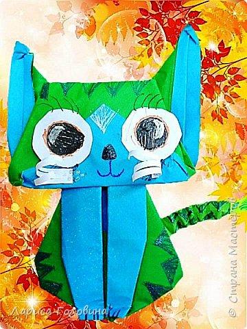 Очень позитивных кошек увидела здесь: https://www.youtube.com/watch?v=15dq_hLPw7k Видеоинструкция подробная.  Складывали четвероклассники на внеурочке. От этих котят пришли в восторг. Все кошачьи со своим характером фото 4