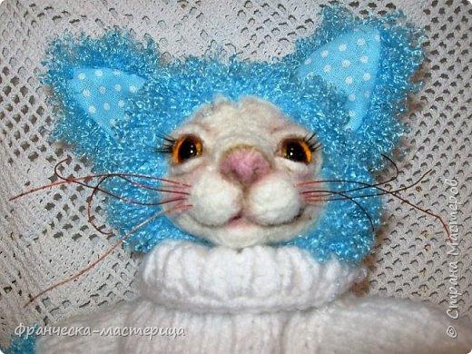 Привет, любимая Страна!!! У меня  поселились в доме Кот и Зайка. Учусь валять лица, не судите строго! фото 2