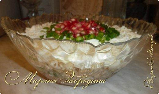 Салатик простой в приготовлении, но очень вкусный для праздничного стола. Получается нежный, сочный, понравится всем!  фото 8