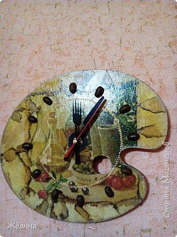 Здравствуйте, жители Страны!  Показываю, что натворила. ))))  Кухонная досочка. Салфетки, яичное кракле и точкование по краю. фото 4
