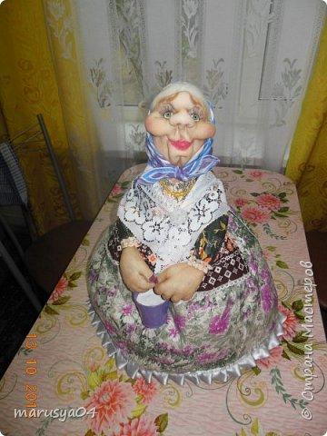 Вот очередная бабуля уродилась - на 80-летие хорошей соседки. В руках ведро с молоком. фото 6