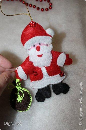 Здравствуйте, мастера и мастерицы! Попробовала я сшить на елку игрушки из фетра. Вот что получилось... фото 4