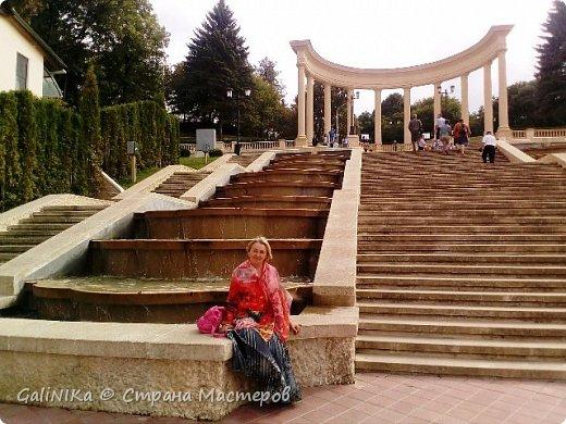 Бывает же такое! В январе этого года, просматривая фоторепортаж  Ирины о заснеженном городе  Кисловодске  http://stranamasterov.ru/node/993929  подумала: вот бы мне побывать в этих местах, пройтись по улочкам, насладиться свежим горным воздухом. И даже ещё летом не знала, что в сентябре вдруг приеду в санаторий Минеральные воды.  фото 54