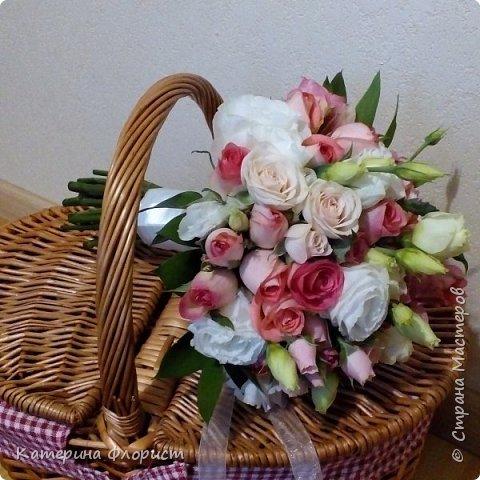 Эустомы и розы фото 9
