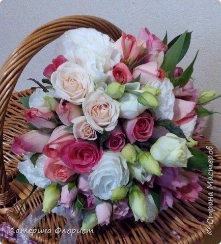Эустомы и розы фото 8
