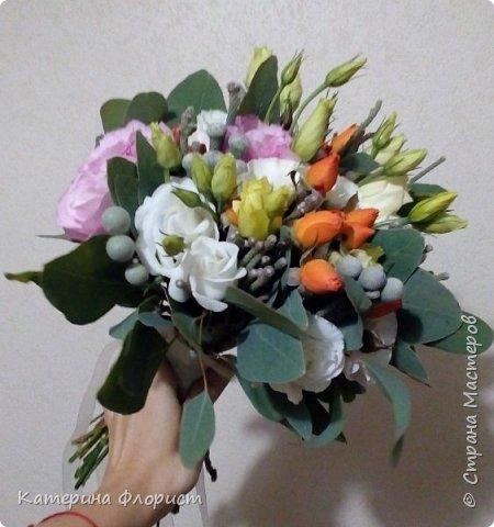Эустомы и розы фото 3